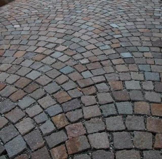 Adoquines antiguos urbanos grises rojos y rosados for Adoquines de piedra precios