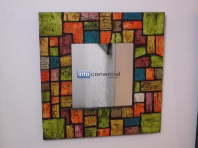 Espejos decorativo pequeos for Espejos decorativos en madera