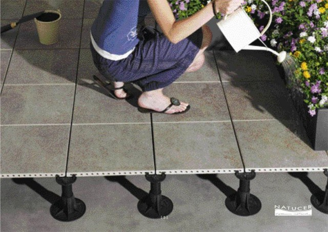 Piso tcnico elevado exterior - Colocar baldosas en el suelo ...