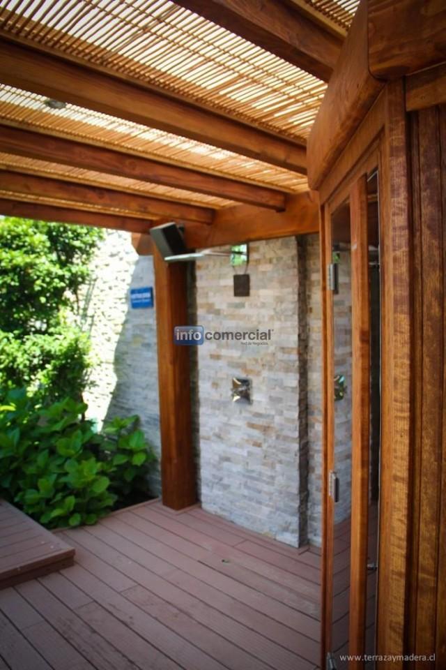 Terrazas de madera en santiago de chile for Terraza de madera exterior