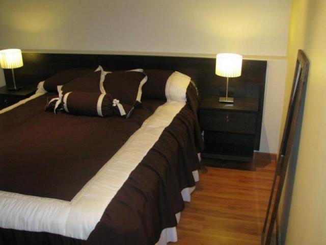 Respaldo cabecera de cama sommier con mesas de luz incluid for Respaldo de sommier