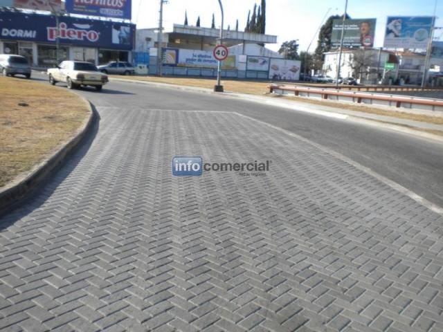 Piso de adoquin terrazo for Adoquin para estacionamiento