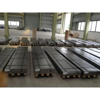 CARBON STEEL AND STAINLESS STEEL