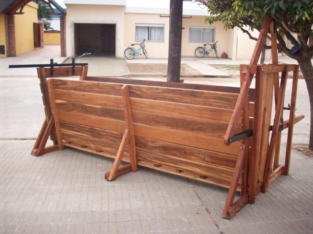 Parideras casillas de operar mangas cepos comederos for Casillas de madera precios